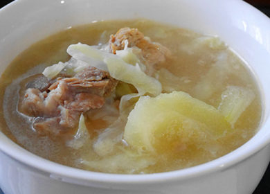 Pork Ribs with Green Papaya Soup (青木瓜排骨汤)