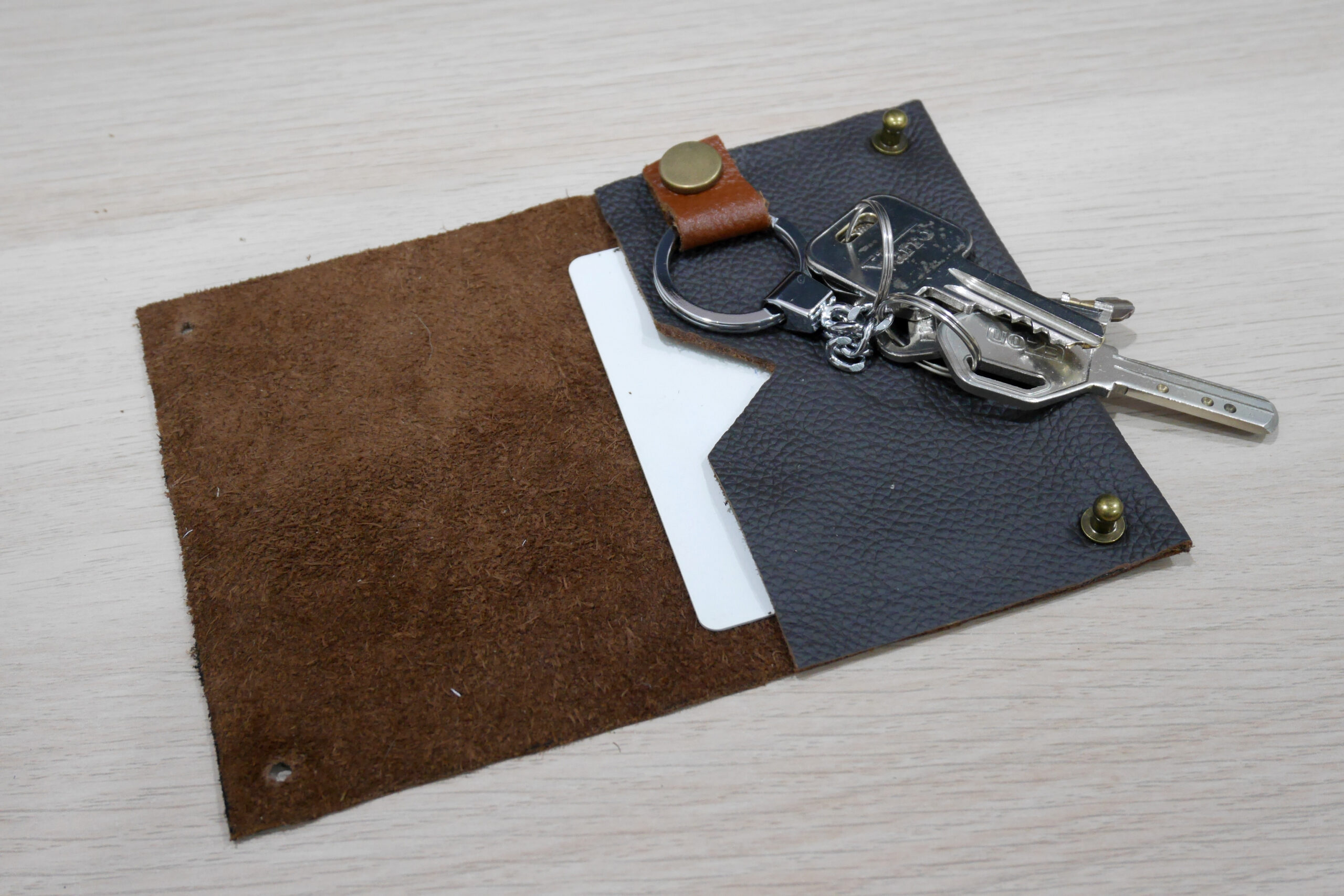Learning leathercraft – list of resources